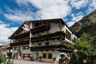 Hotel Kirchenwirt Pitztal©Daniel Schvarcz