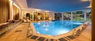 Almwellness Resort Tuffbad Schwimmbad