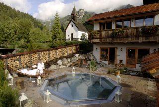 Almwellness Resort Tuffbad Whirlpool