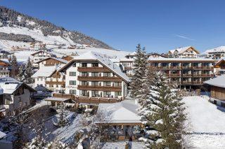 Hotel Chesa Monte Winter©Rene Marschall