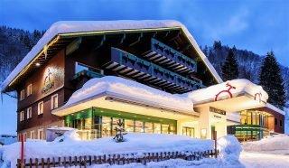 Hotel Hirschen, Winterbild, Schoppernau