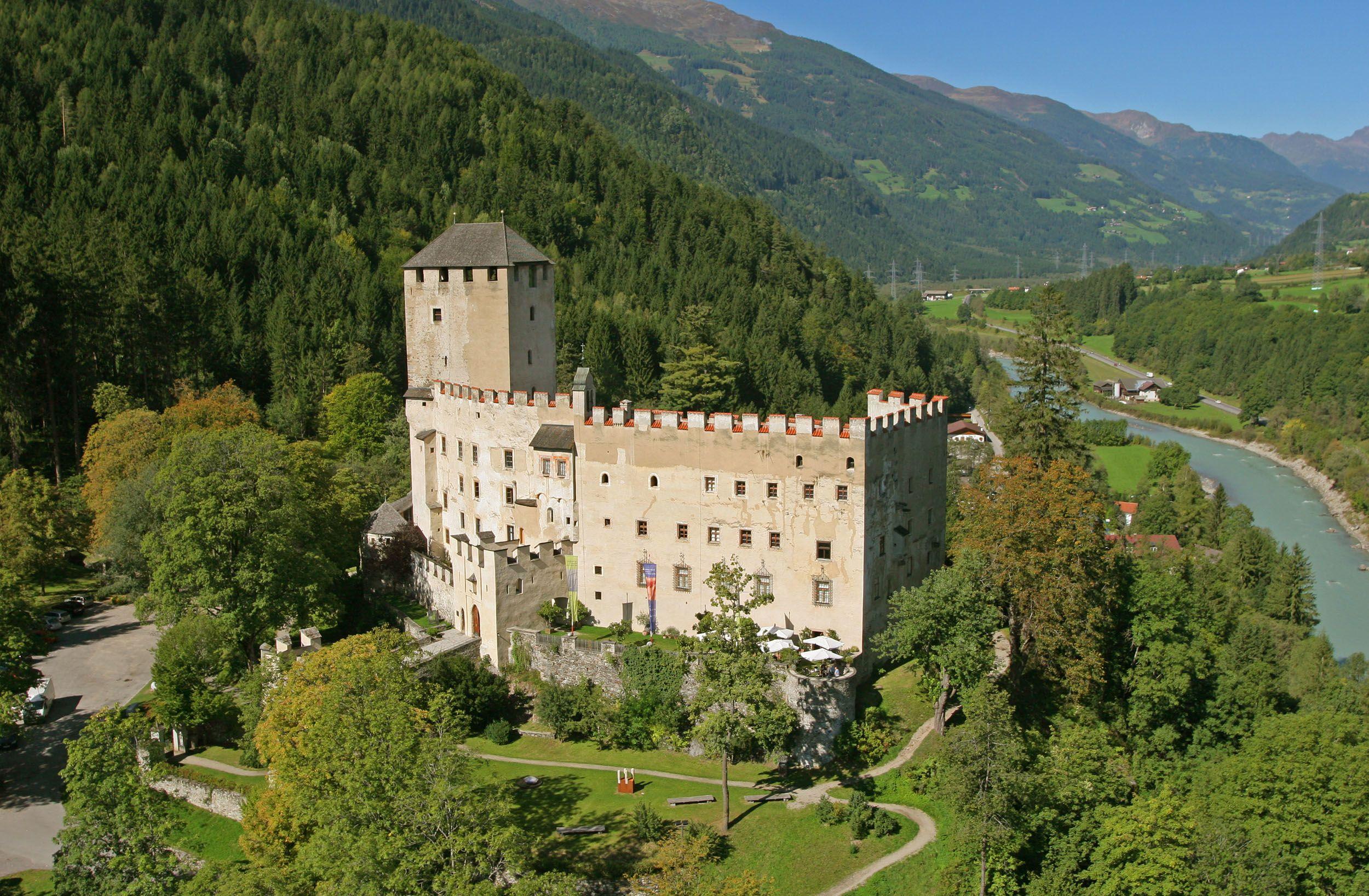 Schloss Bruck (c) Oberleitner