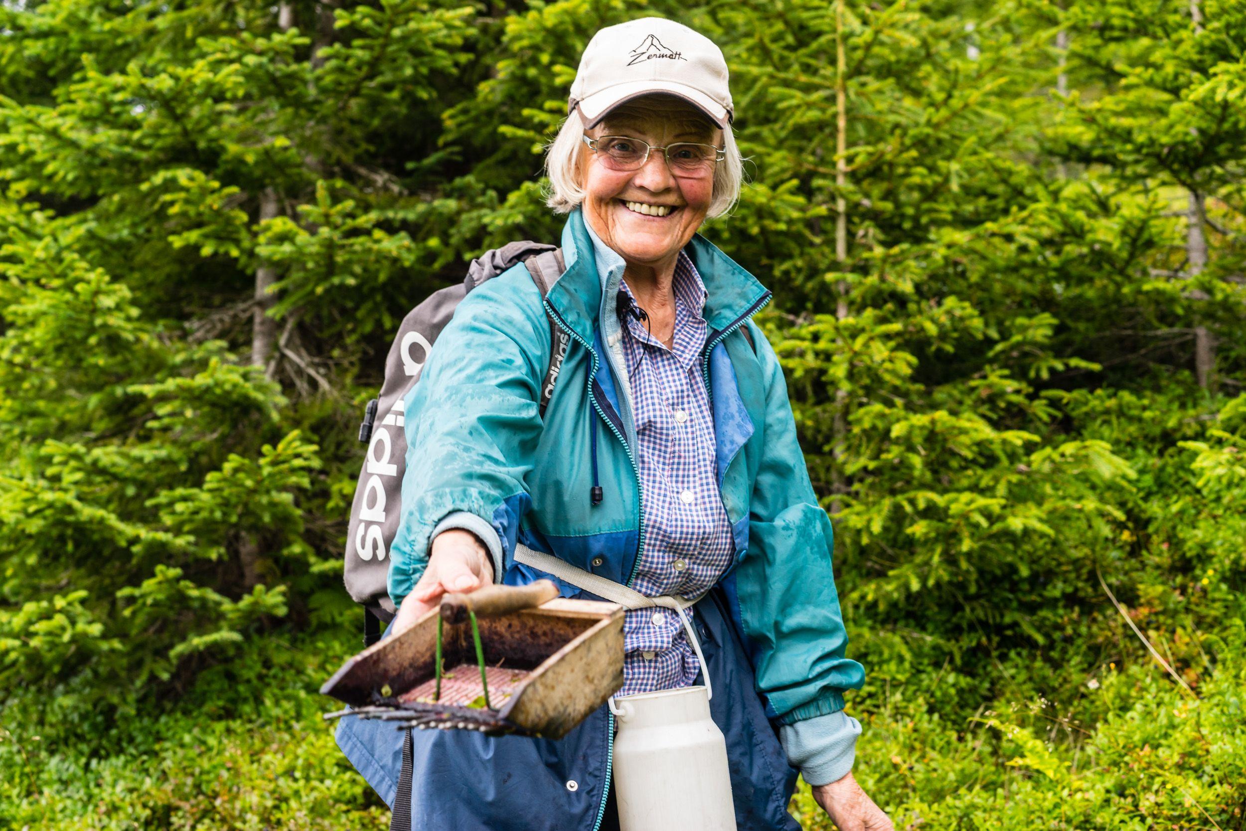 Moosbeeren sammeln mit Marianne