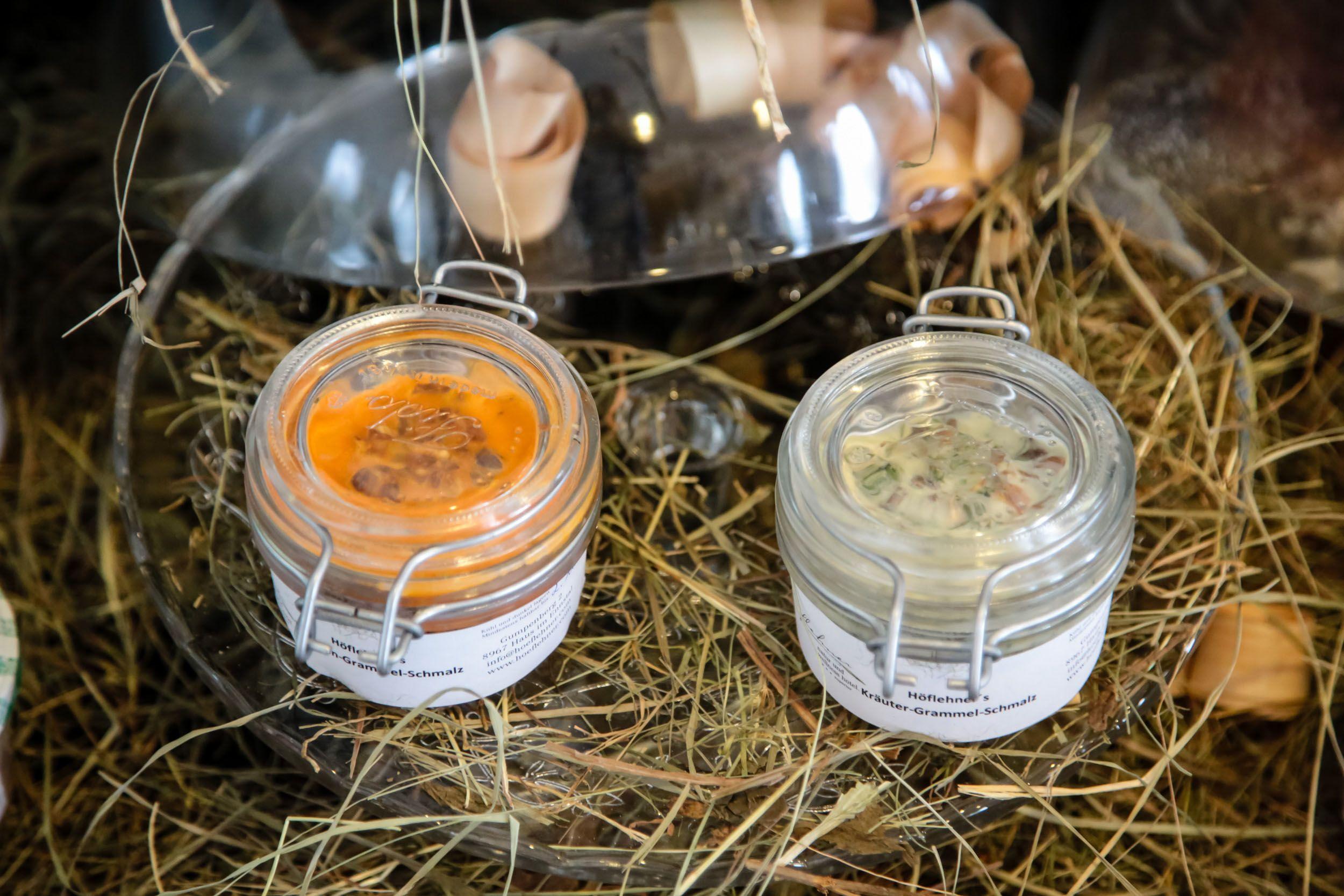 Produkte aus eigener Herstellung im Laden des Natur- und Wellnesshotel Höflehner Steiermark, Österreich;