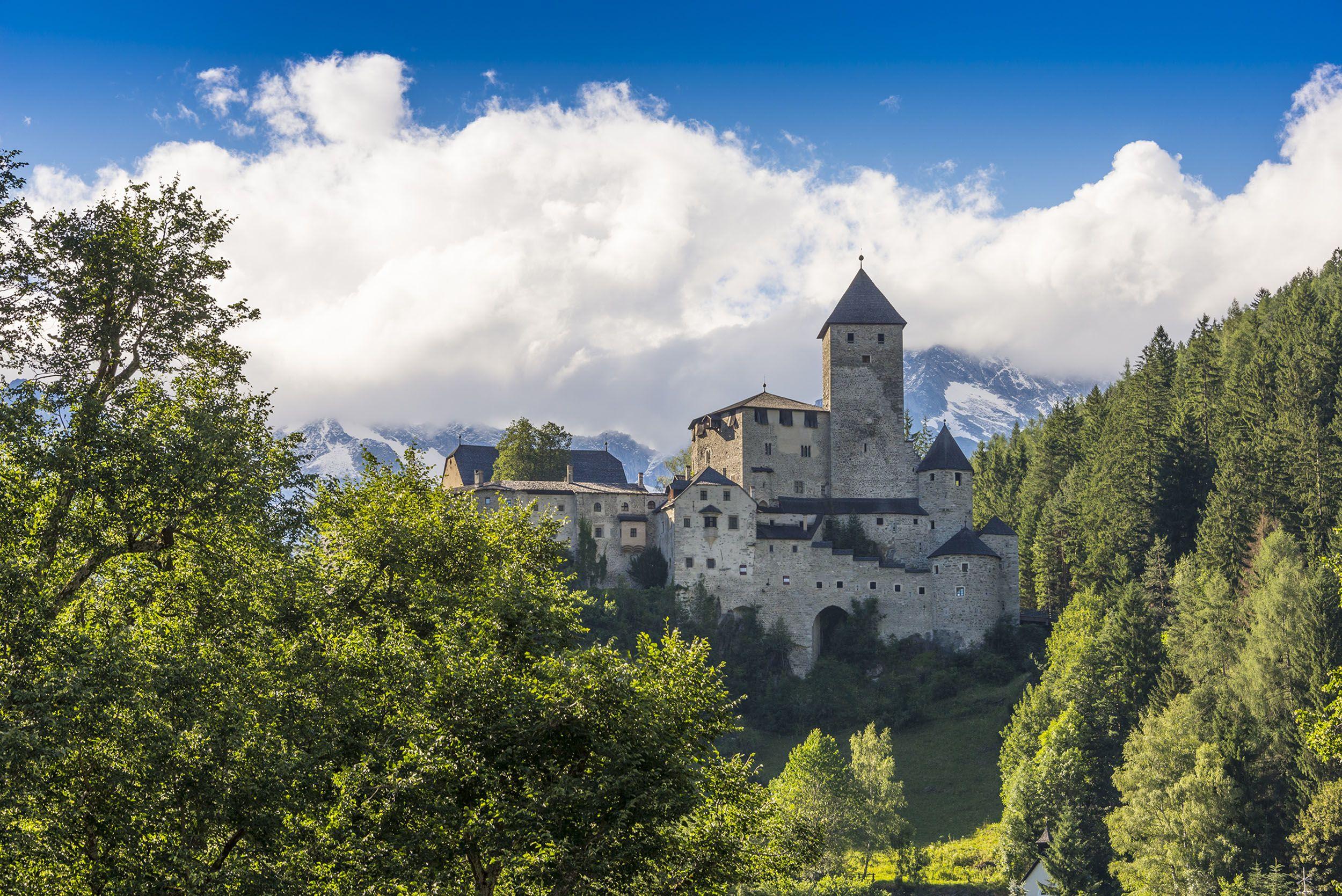 Wanderhotel Drumlerhof, Ausblick auf Burg Taufers
