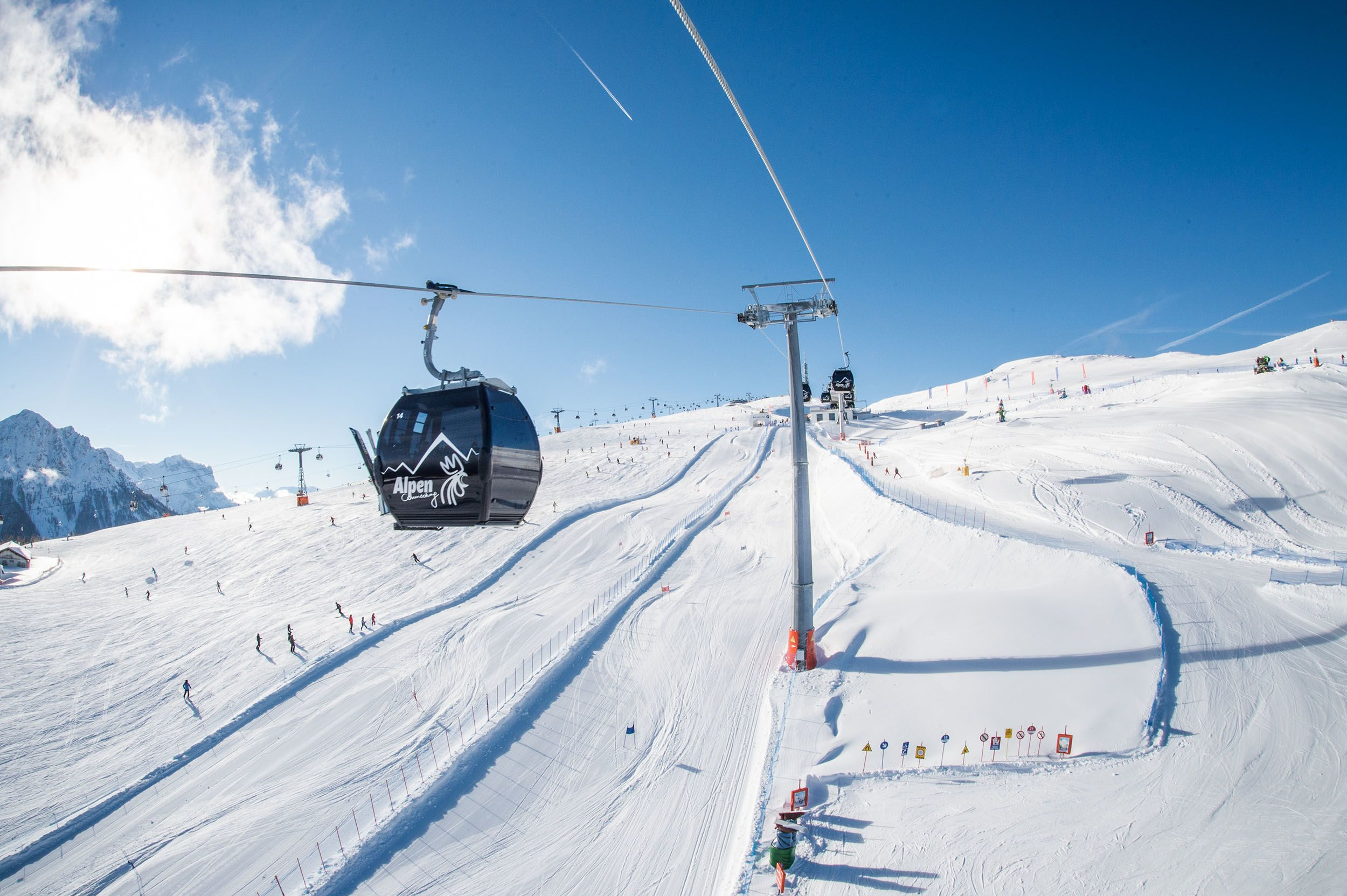 pr-w-kronplatz-lifts-copyright-tvb-kronplatz-photo-harald-wisthaler-alpen-connecting