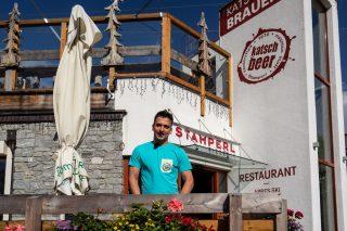 Christoph Hofmayer, Brauer im Restaurant Stamperl, höchste Brauerei Österreichs