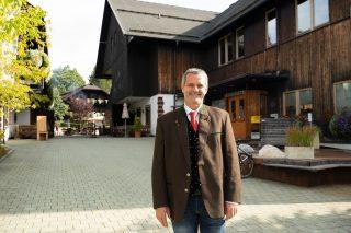 Dorf Schönleitn Gastegeber