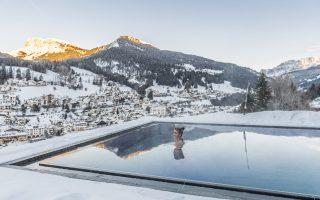 Alpenhotel Rainell Pool Winter