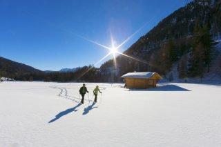 Suedtirol, Ultental, Winter, in der Naehe von Steinrast, Schneeschuh wandern,