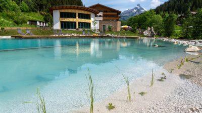 Landhotel Alpenhof Naturbadeteich